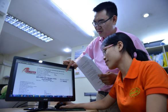 Đại diện nhà cung cấp phần mềm hóa đơn điện tử E-Invoice tại sự kiện truyền thông của Cục thuế TP. Hồ Chí Minh