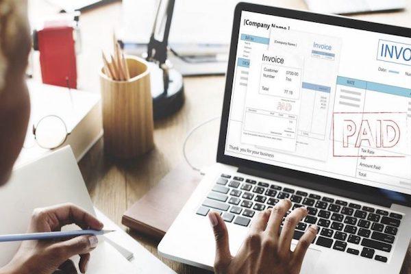 Hóa đơn điện tử mang lại nhiều lợi ích thiết thực cho doanh nghiệp, vì vậy các cấp quản lý nên cân nhắc áp dụng chúng vào hoạt động kinh doanh của mình